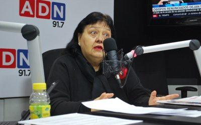 """Anita Román del Colegio de Matronas: """"El contralor se está transformando en un cuarto poder"""""""