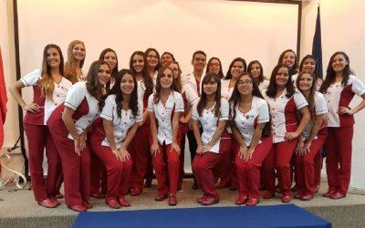 Estudiantes de Obstetricia y Puericultura-San Felipe fueron investidos