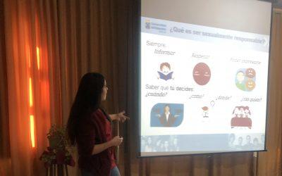 TIPE: Estudiantes de Obstetricia y Puericultura realizan sesiones educativas en Liceo Técnico Profesional de Barón